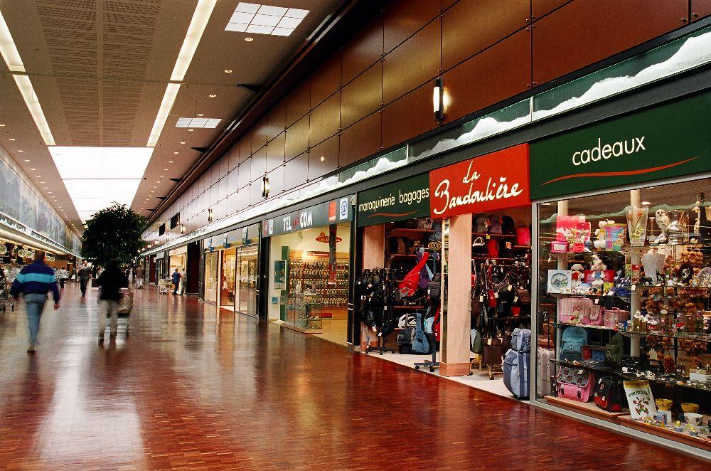 Centre commercial cora lempdes audfi for Galerie marchande casino